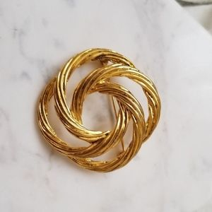 Vintage 24k gold plated statement brooch